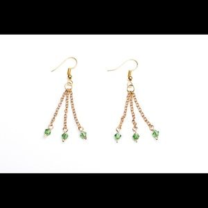 Jewelry - Gold chain dangle earrings